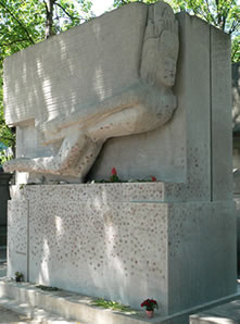 Grave of Oscar Wilde in France
